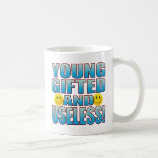 Vida inútil joven B Taza Clásica