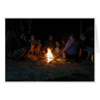 Vida nocturna del pueblo tarjeta de felicitación