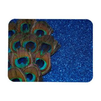 Vida reluciente del ramo azul del pavo real aún imán de vinilo