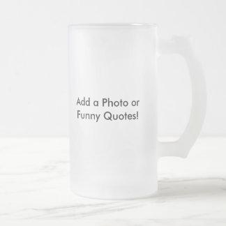 Vidrio de cerveza como idea del regalo taza