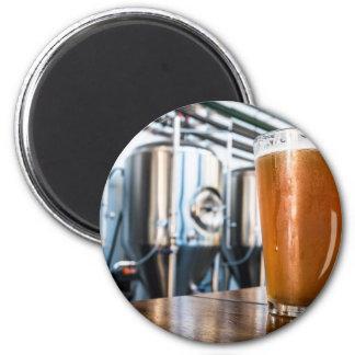 Vidrio de cerveza en el Microbrewery Imán Redondo 5 Cm
