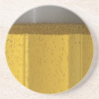 Vidrio de cerveza escarchado posavasos para bebidas