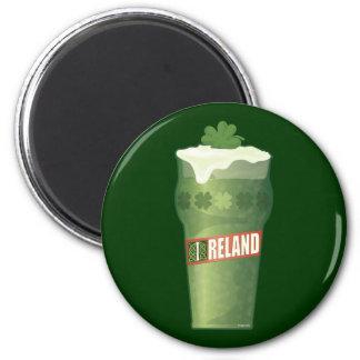 Vidrio de cerveza irlandés imán redondo 5 cm
