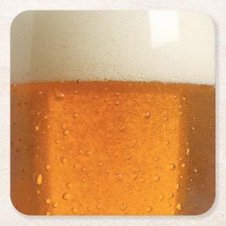 Vidrio de cerveza posavasos de cartón cuadrado