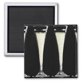Vidrio de flauta negro de champán con diseño de la imán cuadrado