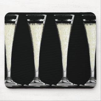 Vidrio de flauta negro de champán con diseño de la alfombrilla de ratones