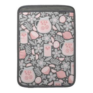 Vidrio de la tarde de limonada rosada fundas macbook air