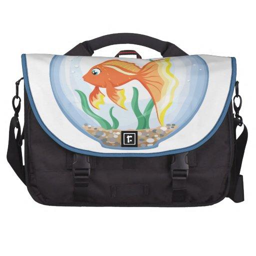 Vidrio lindo del goldfish im bolsas de portátil