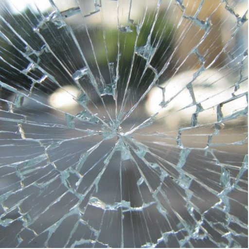 Vidrio quebrado fotoescultura vertical