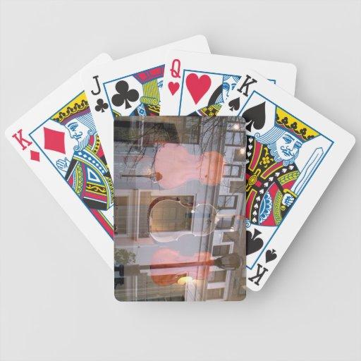 Vidrio y violoncelos reflectores baraja de cartas