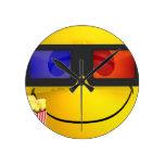 Vidrios 3d y palomitas sonrientes reloj de pared