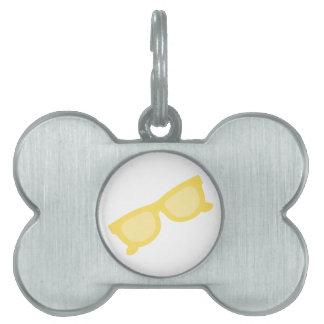 Vidrios amarillos de las gafas del inconformista d placa mascota