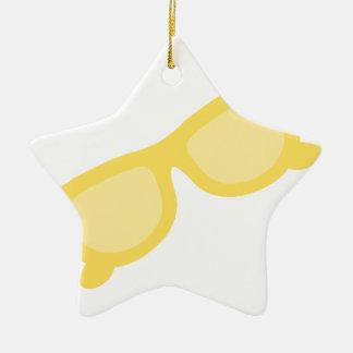 Vidrios amarillos de las gafas del inconformista adorno de cerámica en forma de estrella