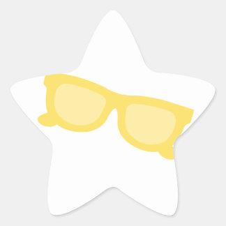 Vidrios amarillos de las gafas del inconformista pegatina en forma de estrella