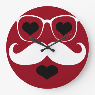 Vidrios blancos divertidos del bigote en el fondo  reloj redondo grande
