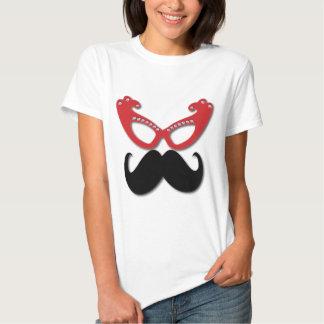 vidrios bling rojos con el bigote remera