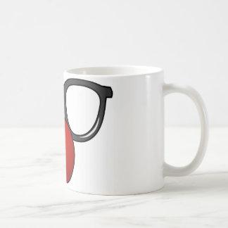 Vidrios divertidos con la nariz divertida roja tazas de café