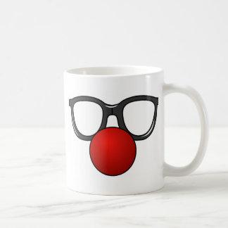 Vidrios divertidos con la nariz divertida roja taza