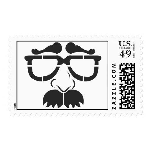 Vidrios y bigote divertidos sellos