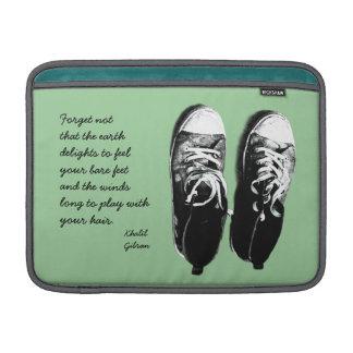 vieja caja de las zapatillas deportivas fundas para macbook air