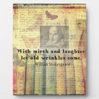 Vieja cita de Shakespeare de las arrugas del Placas Para Mostrar