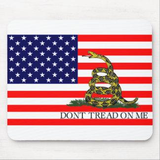 Vieja gloria/bandera de Gadsden combinada Alfombrilla De Ratones