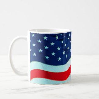 Vieja gloria en la brisa tazas de café
