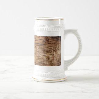 Vieja mirada de madera del grano jarra de cerveza