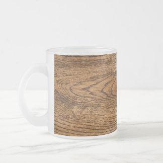 Vieja mirada de madera del grano taza cristal mate