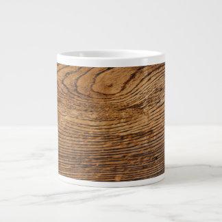 Vieja mirada de madera del grano taza grande