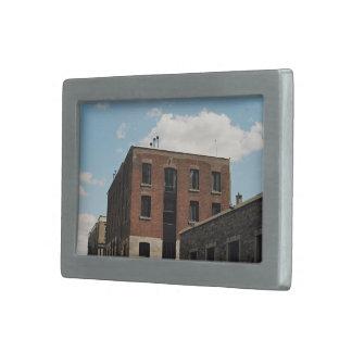 vieja opinión de la ciudad de los edificios hebillas de cinturon rectangulares