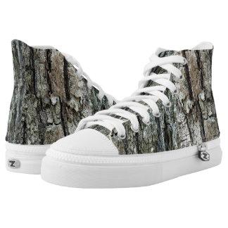Vieja textura de la corteza del pino zapatillas