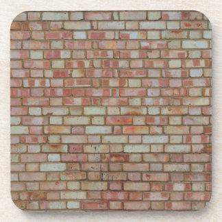 Vieja textura roja de la pared de ladrillo posavasos de bebidas