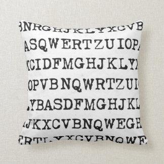 Viejas letras de la máquina de escribir cojín