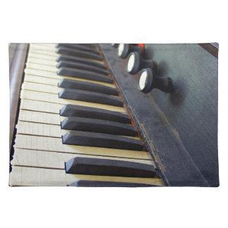 Viejas llaves del órgano mantel