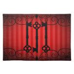 Viejas llaves del victorian gótico en rayas rojas mantel individual