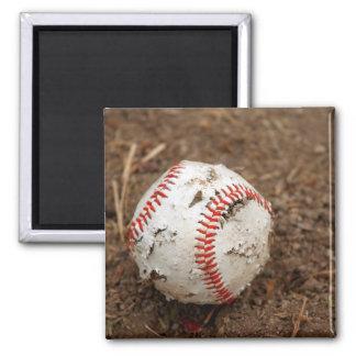 viejo béisbol imán cuadrado
