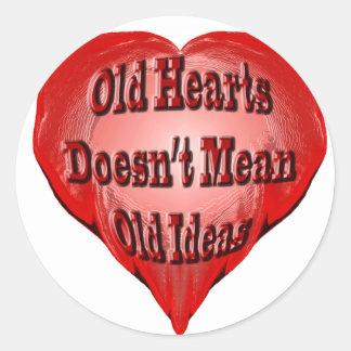 Viejo corazón pegatina redonda