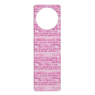 Viejo diseño de papel rosado de la partitura music colgadores para puertas