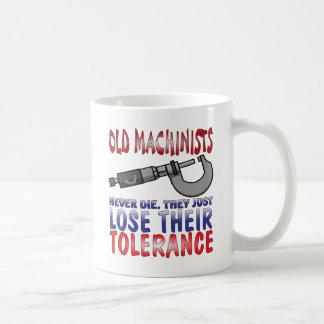 Viejo epitafio de los maquinistas taza de café