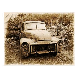 Viejo estilo de la foto del camión antiguo del postal
