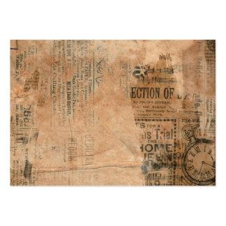 Viejo fondo sucio rasgado del periódico tarjetas de visita