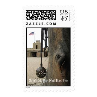 Viejo franqueo del fuerte de la encorvadura sellos postales