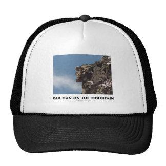 Viejo hombre en la montaña (ilusión óptica) gorro
