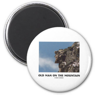 Viejo hombre en la montaña (ilusión óptica) iman para frigorífico