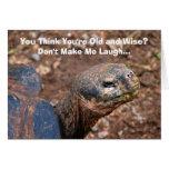 Viejo humor sabio del feliz cumpleaños de la tarjeta de felicitación