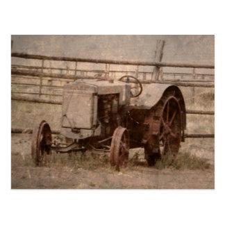 Viejo perseguidor de la granja postal