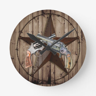 "viejo poste dual occidental rústico del arma "" reloj de pared"