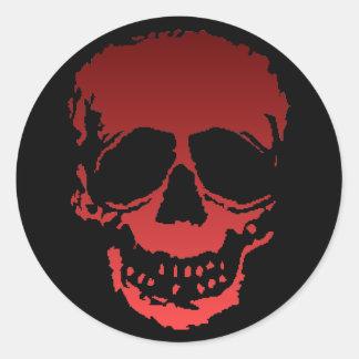 Viejo rojo del cráneo pegatina redonda
