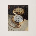 Viejo rompecabezas elegante del reloj
